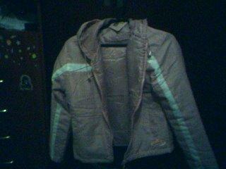 64. Comprar uma jaqueta (Jeans, moletom ou algo semelhante)